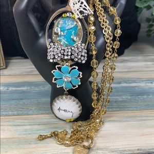 ✨Adorned Crown dreaming cameo rhinestone necklace